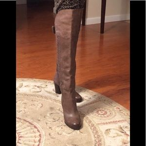 Gorgeous Over the Knee Boots!! 👢💖